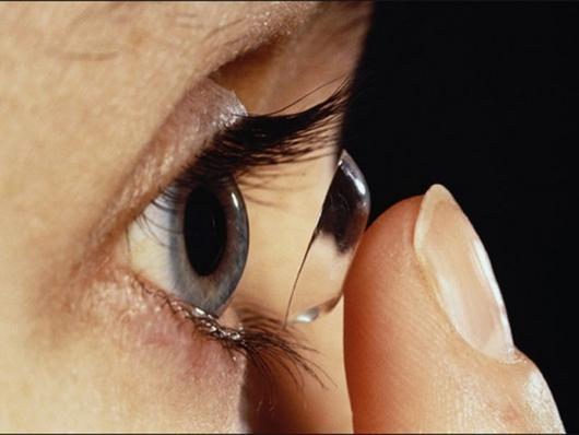 kontak lensa stem sel
